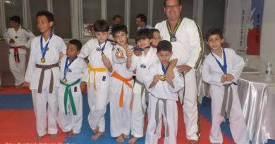 Academia de Taekwondo Delman realiza exame de faixa